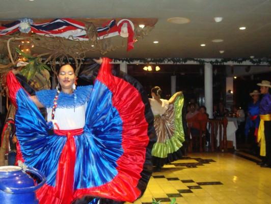 Folkloric show at Mirador Ram Luna in Aserrí